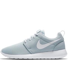 NEW IN BOX! Nike Roshe One Baby Blue Shoes Size 7